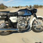 Honda CB450 Black Bomber - 1967 - Right Side View, Engine and Gearbox, Brake Lever, Gas Tank and Side Panel.