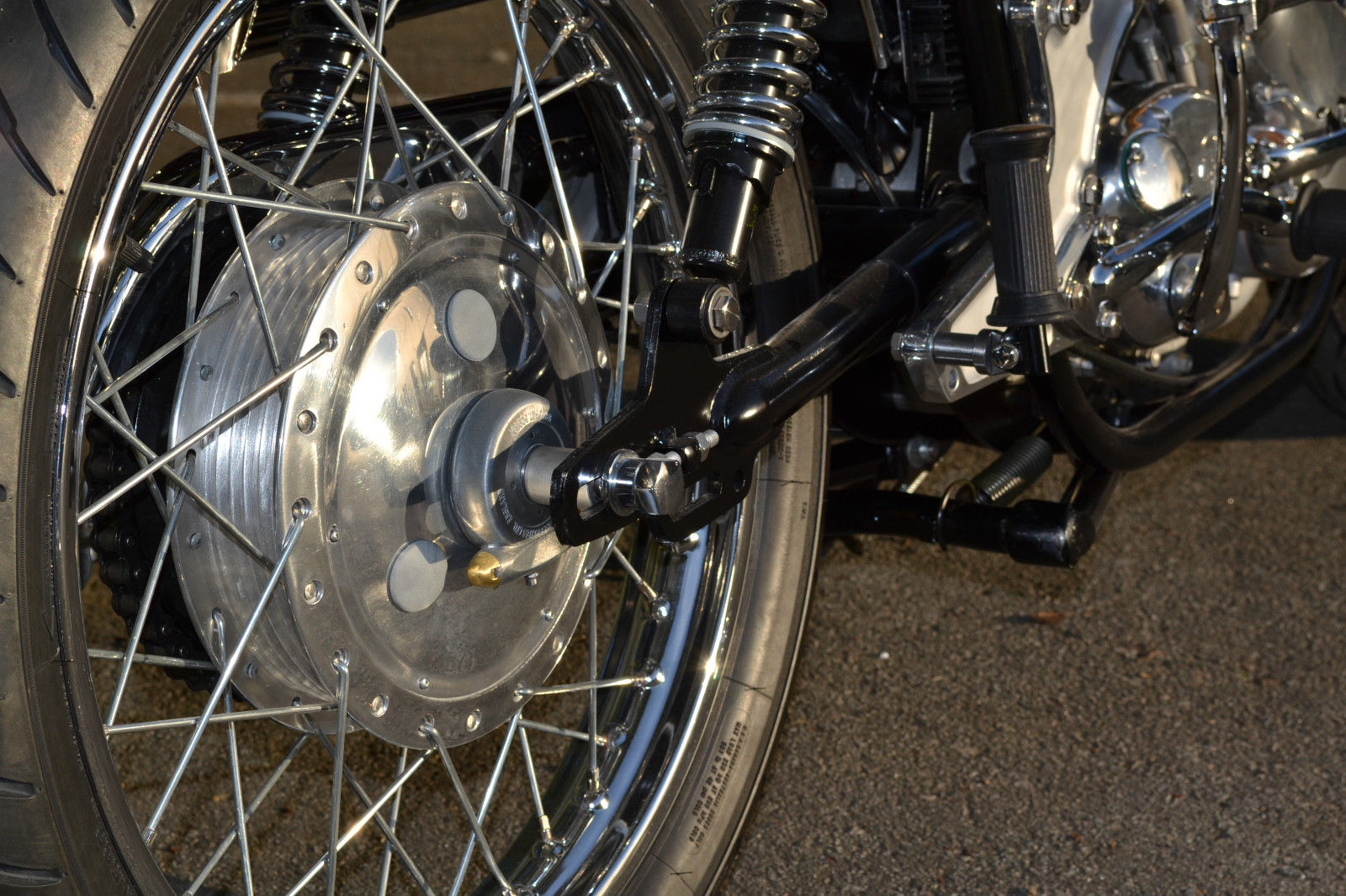 Norton Commando S-Type - 1969 - Rear Hub, Swing Arm and Shock Absorber.