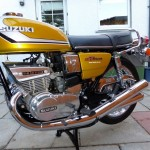 Suzuki GT380 - 1974 - Left Side View, Motor and Transmission, Engine Cases and Exhausts.