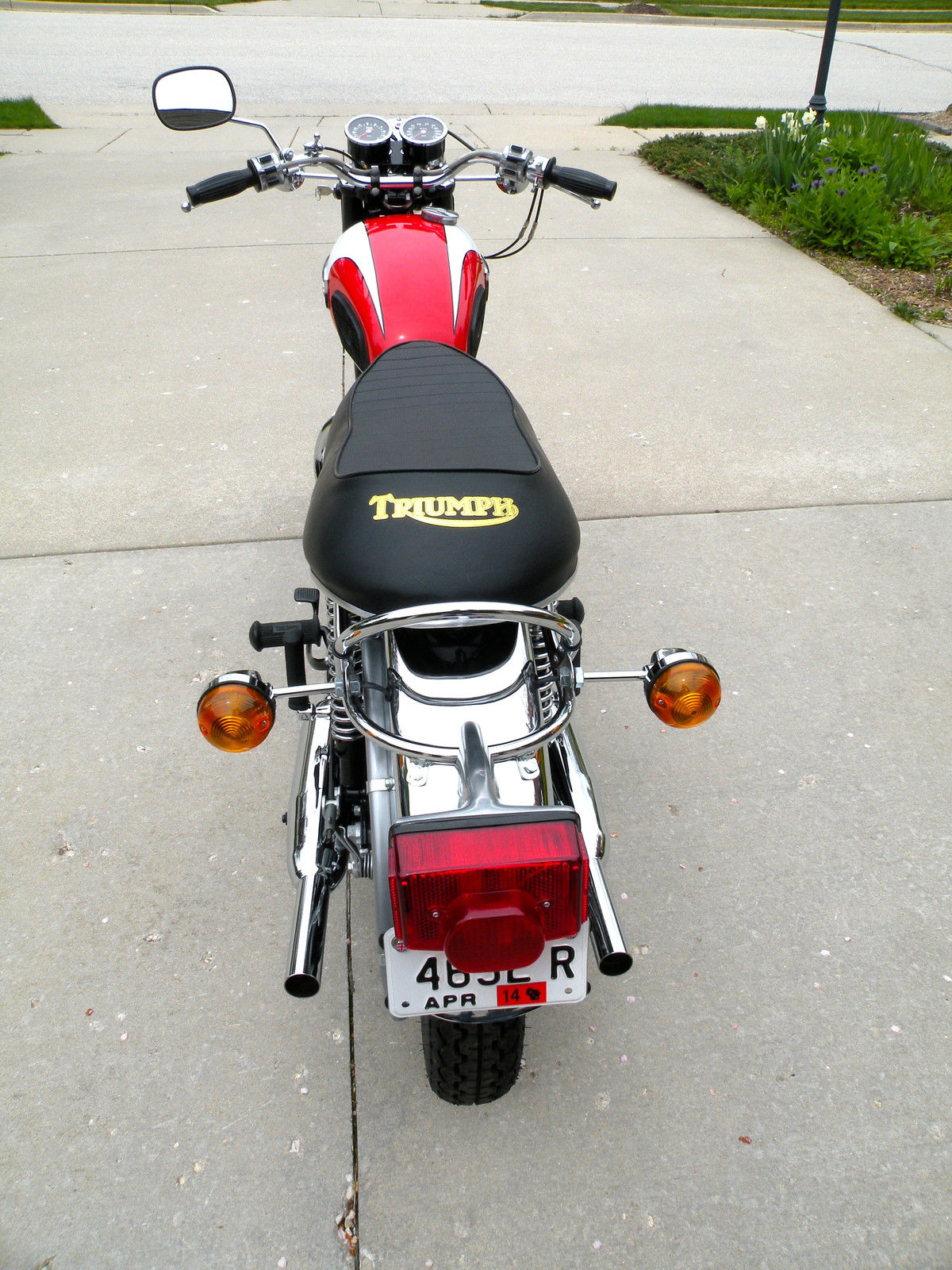 Triumph Daytona - 1973 - Seat. Rear Fender, Rear Light, Flasjers and Grab Rail.