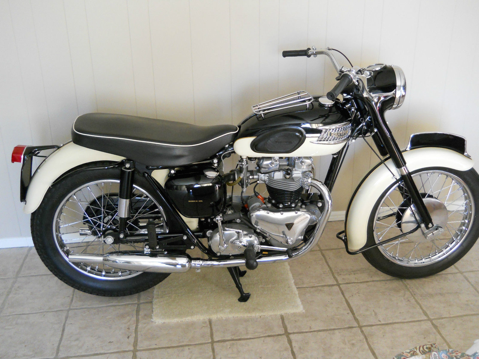 Triumph Tiger T110 - 1958 - Right Side View, Gas Tank, Seat, Frame and Handlebars.