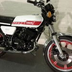 Yamaha RD400F - 1979 - Forks, Indicator, Seat, Side Panel, Front Mudguard and Headlight.
