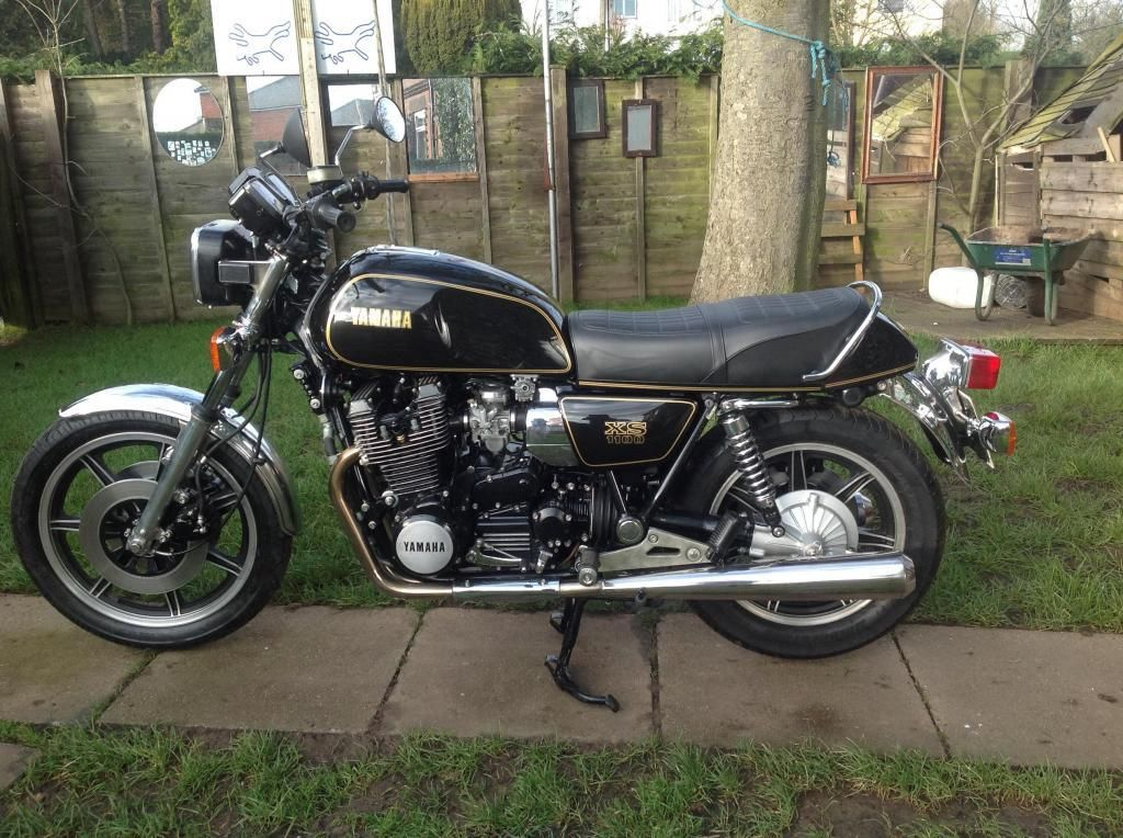 Yamaha XS1100 - 1980 - Left Side View, Motor and Transmission, Gas Tank, Side Panel and Tail Piece.