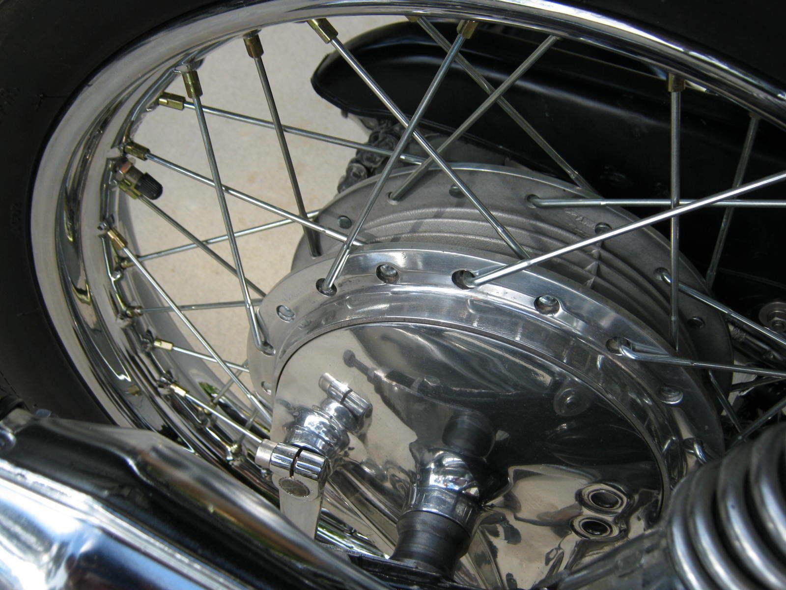 Honda CB750K0 -1969 - Rear Wheel, Rear hub, Spokes, Spacer and Valve,