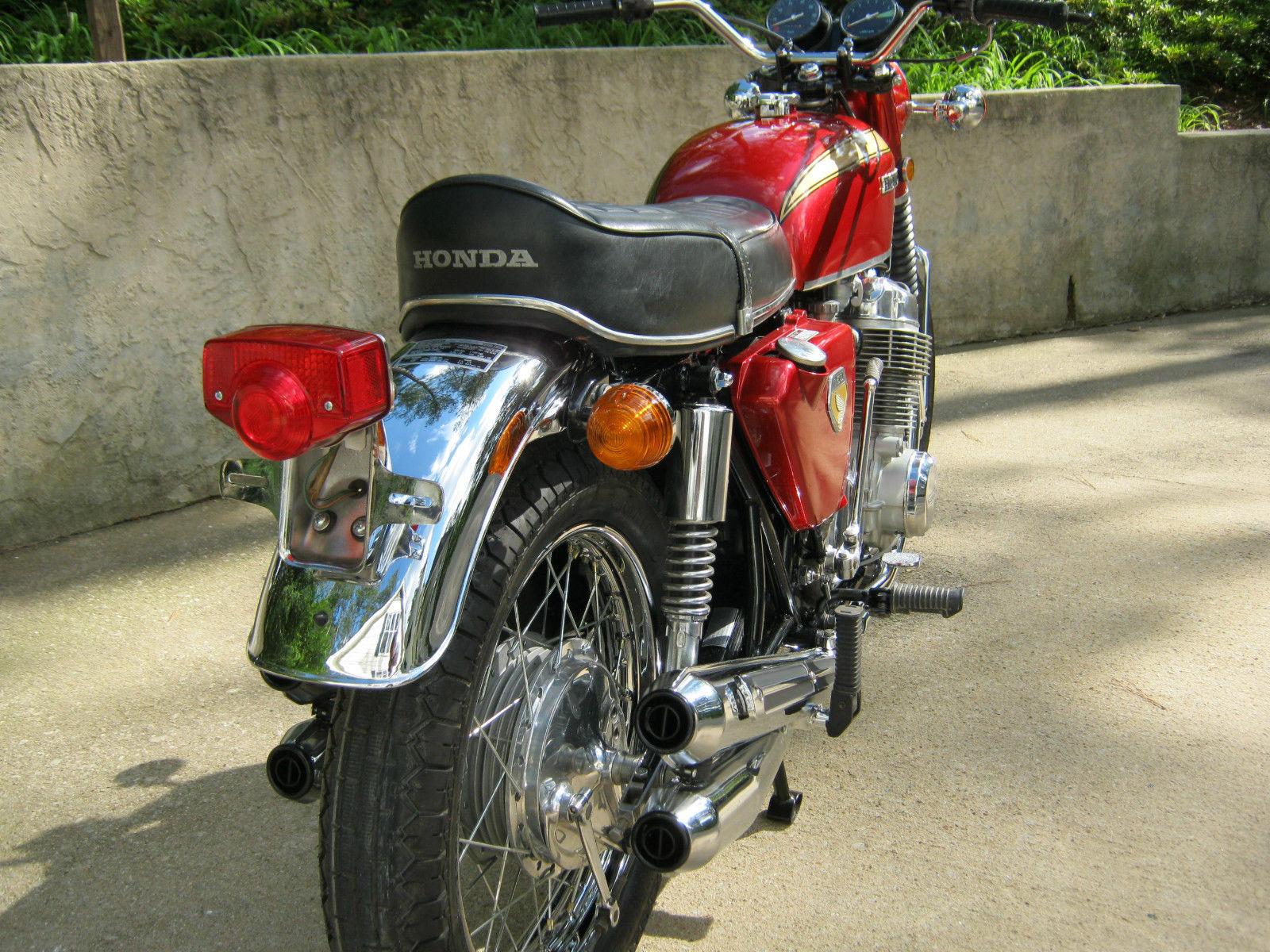 Honda CB750K0 -1969 - Rear Fender, Mufflers, Rear Light, Seat and Shocks.
