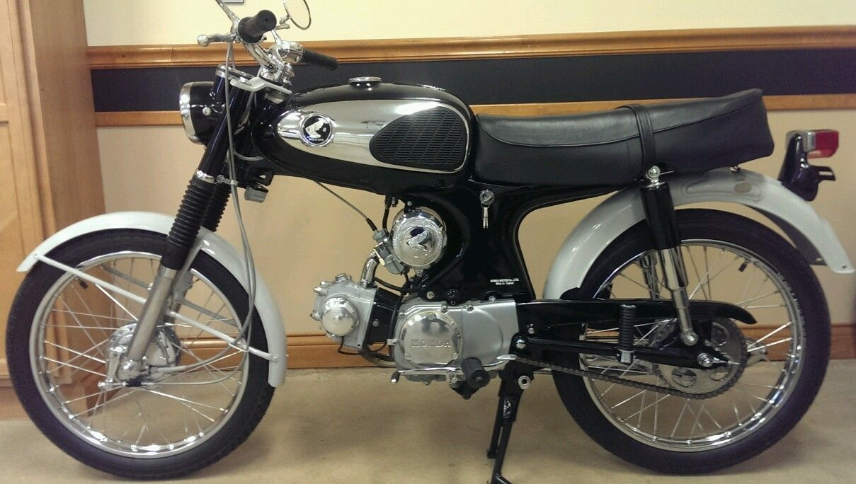 Honda S90 -1966 - Right Side View, Engine and Gearbox, Air Cleaner, Main Stand, Tank and Seat.