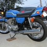 Kawasaki H2 - 1972 - Engine and Gearbox, Side Panel, Grab Rail and Muffler.