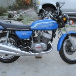 Kawasaki H2 - 1972 - Motor and Transmission, Exhausts, Tank and Side Panels.