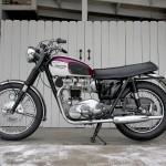 Triumph Bonneville - 1967 - Left Side View, Exhaust System, Seat, Front Forks, Rear Suspension and Fenders.