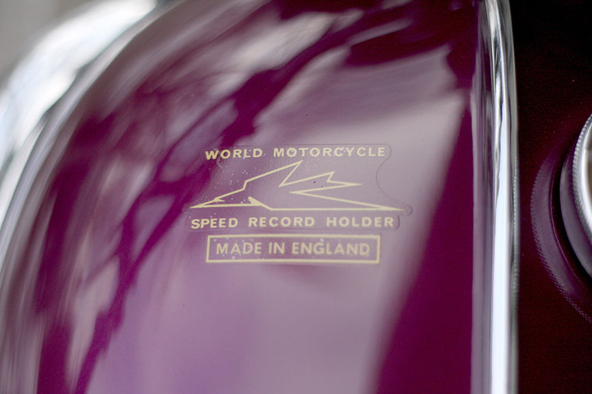 Triumph Bonneville - 1967 - Made in England Decal.