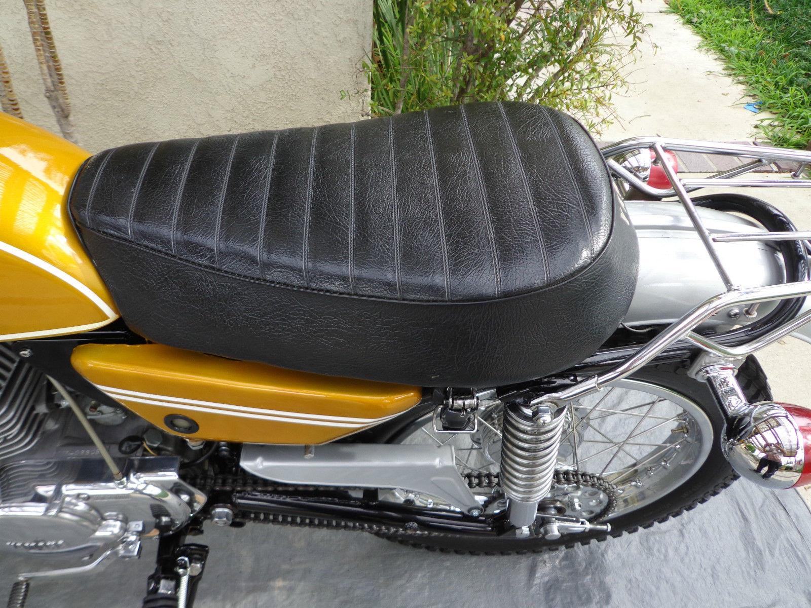 Yamaha CT1 175 Enduro - 1971 - Seat, Footrest and Side Panel.