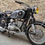 BMW R69S - 1963 - Gas Tank, Knee Pads, Handlebars, Front Brake Drum and Wheel.