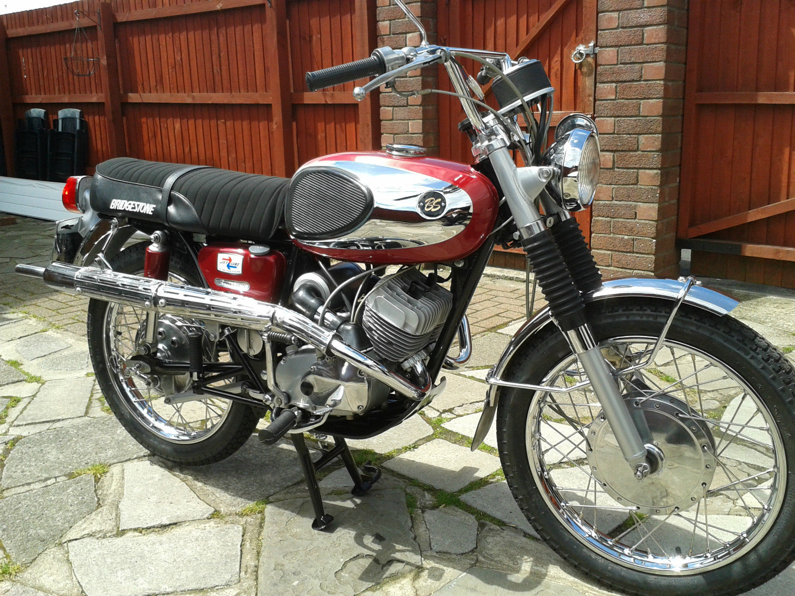 Bridgestone Mach11 -1969 - Motor and Transmission, Engine and Gearbox,