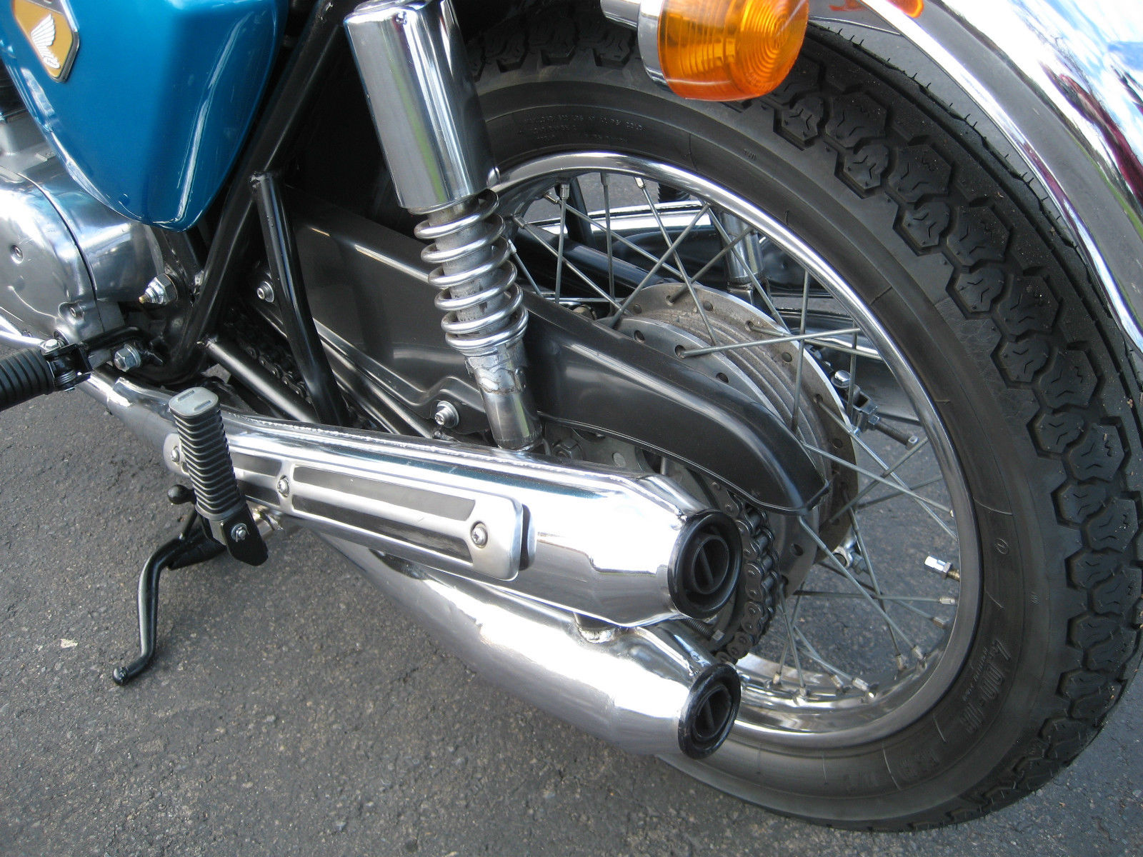 Honda CB750 K0 - 1970 - Mufflers, Exhausts, Rear Shock Absorber and Chain Guard.