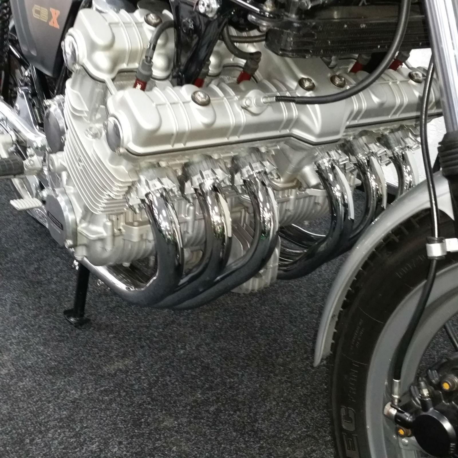 Honda CBX1000 - 1978 - Six Cylinder, 24 Valves in line 6.