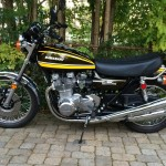 Kawasaki Z1 - 1974 - Left Side View, Side Stand, Headlight, Badges, Wheels, Frame and Forks.