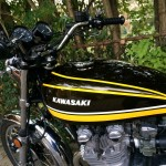 Kawasaki Z1 - 1974 - Gas Tank, Kawasaki Badge, Handlebars and Grips.