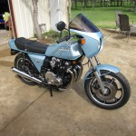 Kawasaki Z1-R - 1978 - Exhaust System, Black Engine, Seat and Gas Tank.