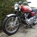 Norton Commando 750 - 1971 - Front Mudguard, Front Forks, Wheel, Headlight and Indicators.