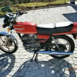 Suzuki X7 - 1982 - Left Side View, Gold Wheels, New Style Indicators, Two Stroke Engine.