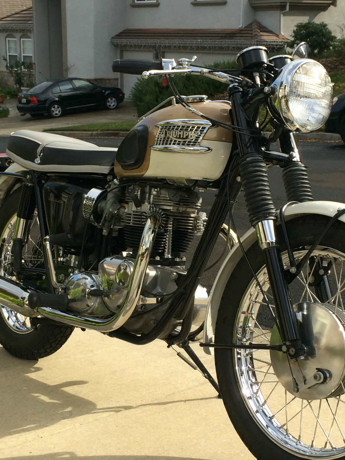 Triumph Bonneville - 1964 - Motor and Transmission, Mufflers, Fender, Forks, Triumph Badge, Seat and Kick Start.
