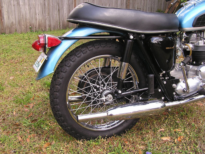 Triumph Trophy TR6 - 1968 - Rear Light, Rear Fender, Mufflers, Seat and Frame.