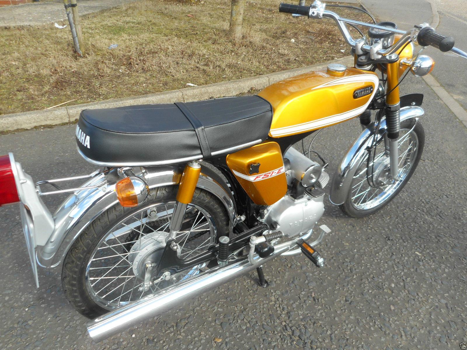 Yamaha FS1E - 1974 - Rear Fender, Flashers, Motor and Transmission.
