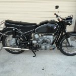 BMW R60/2 - 1965 - Right Side View, Engine and Gearbox, Motor and Transmission, Tank, Shocks and Seat.