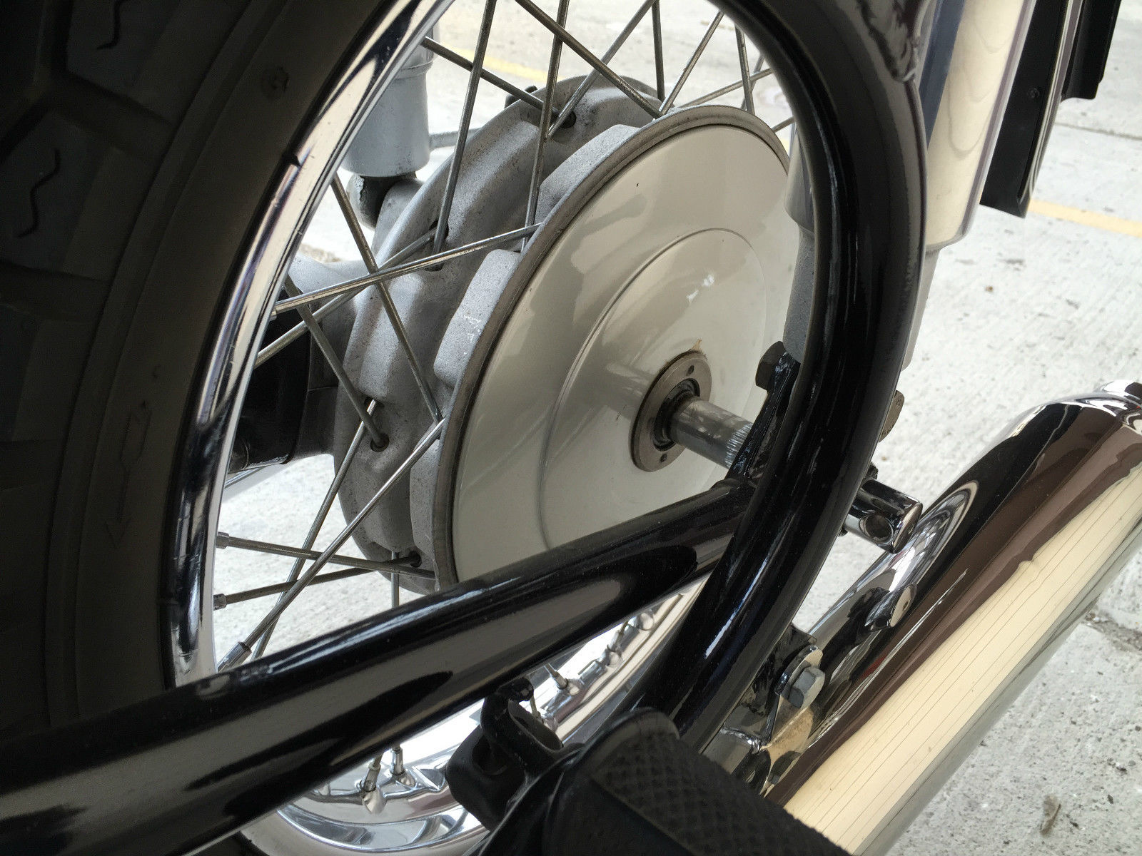 BMW R60/2 - 1965 - Frame, Rear Wheel, Rear Footrest and Exhaust.