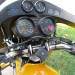 BMW R90S - 1975 - Steering Damper, Handlebars, Clocks, Speedo and Tacho.