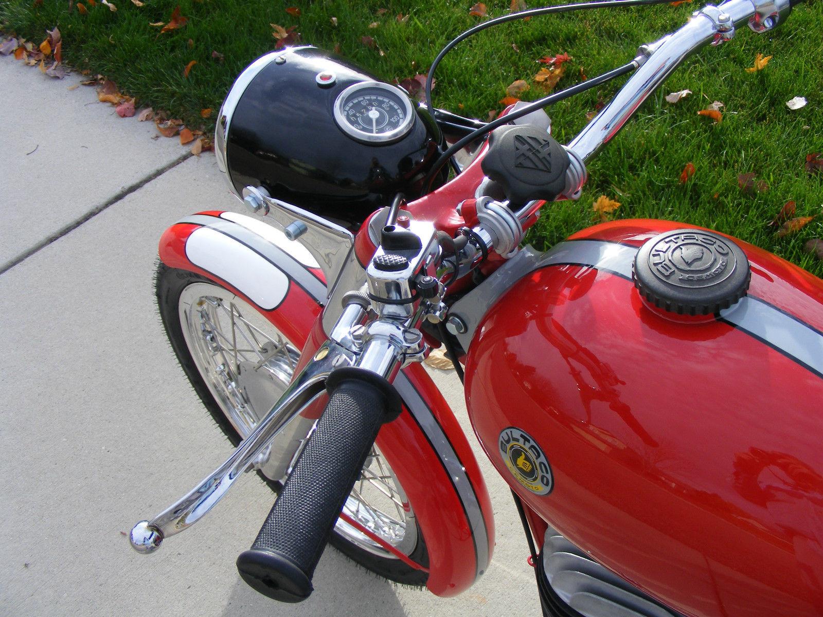Bultaco Mercurio - 1966 - Handlebars and Grips.