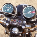 Honda CB500 Four - 1971 - Warning Lights, Handlebars, Speedo and Tacho.