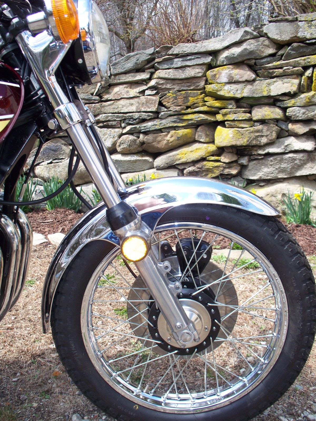 Kawasaki Z1 - 1975 - Front Fender, Front Wheel and Forks,