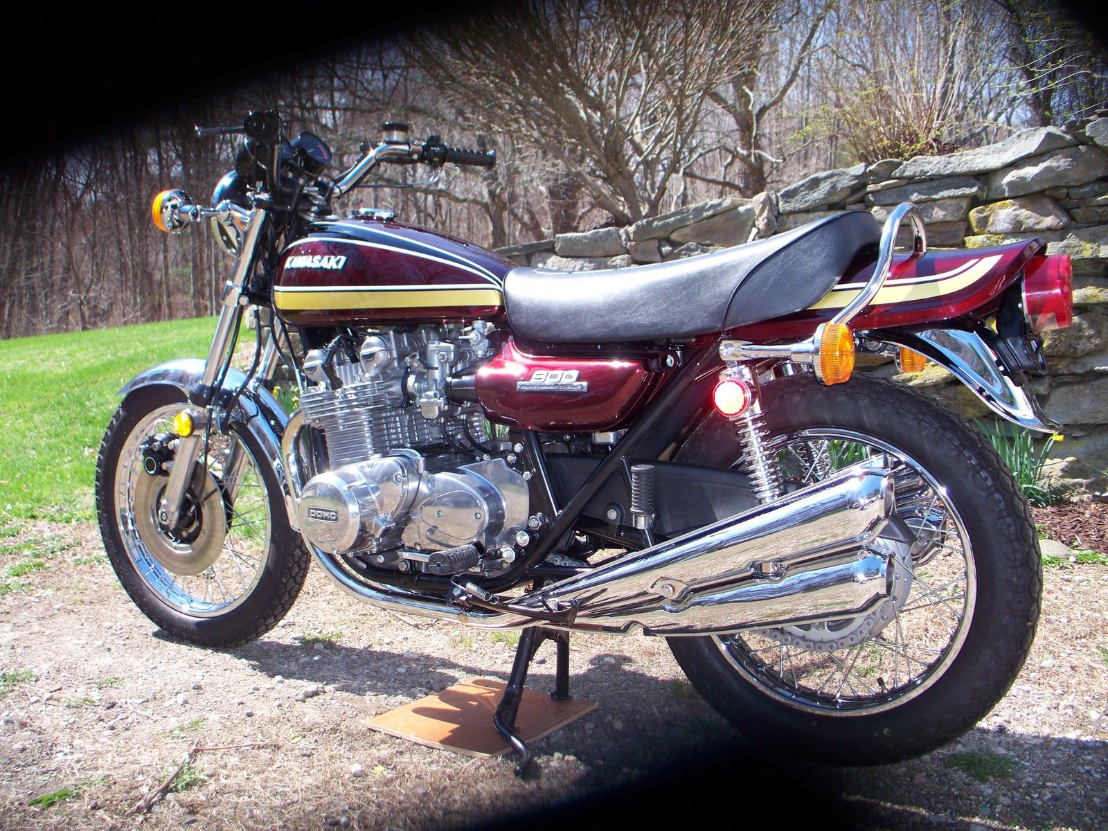 Kawasaki Z1 - 1975 - Frame and Forks, Wheel, Brakes and Tyres.