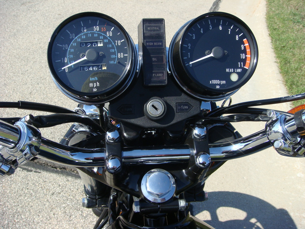 Kawasaki Z1000 LTD - 1980 - Rebuilt and Restored Gauges, Speedo and Tacho, Idiot Lights and Ignition Switch.