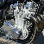 Kawasaki Z1000 LTD - 1980 - Motor and Transmission, Points Cover, Cylinder Head, Valve Cover, Camshaft Cover and Spark Plugs.