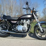 Kawasaki Z1000 LTD - 1980 - Left Side View, Gas Tank, Seat, Side Panel, Fenders, Mufflers and Exhaust System.