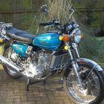 Suzuki GT750 - 1976 - Right Side View, Radiator, Indicators, Head Light, Stand and Reflectors.