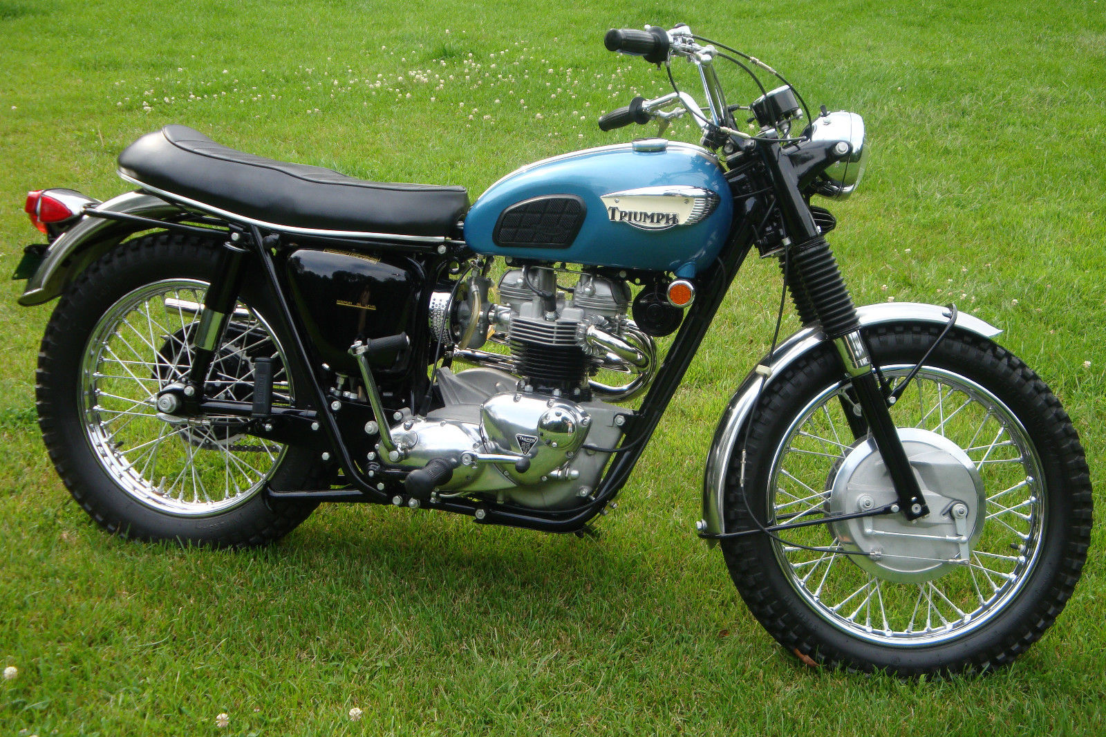 triumph trophy tr6c - 1968 - restored classic motorcycles at bikes