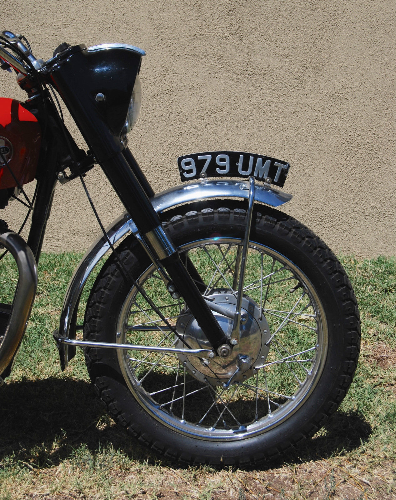Ariel HS - 1957 - Front End, Headlight, Forks and Wheel.