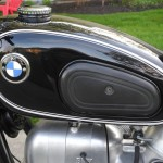BMW R69S - 1968 - BMW Badge, Knee Pads and Gas Cap.