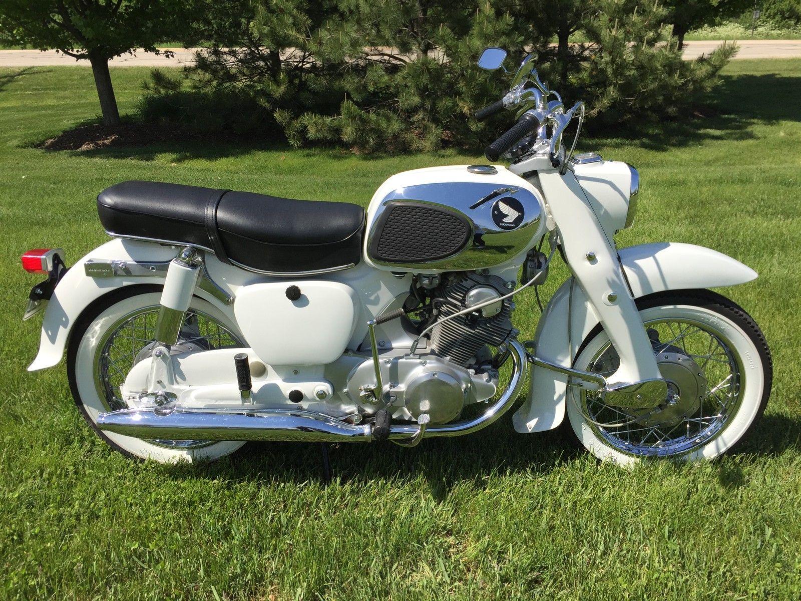 Honda CA77 Dream - 1968