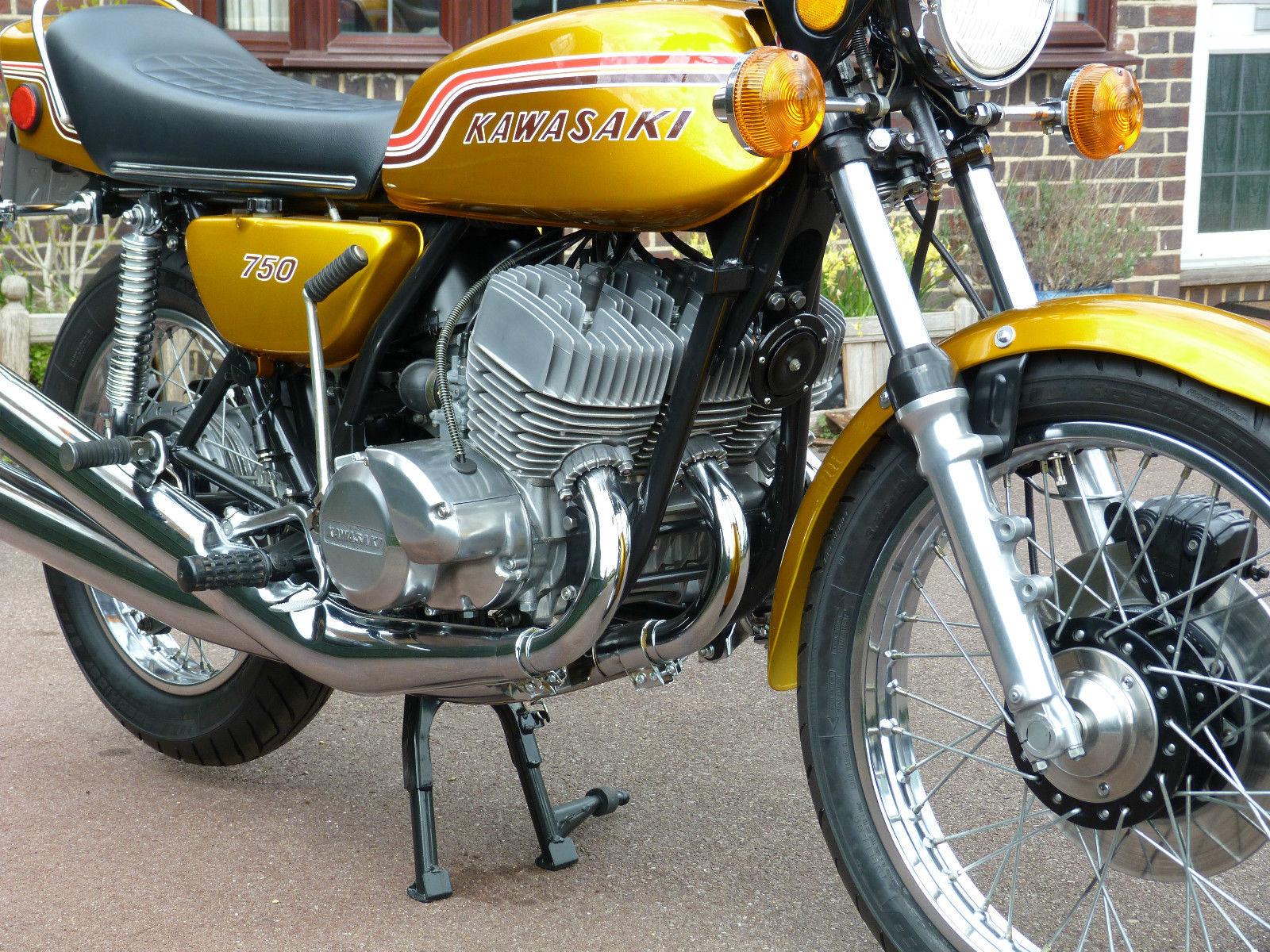 Kawasaki H2 750 - 1972 - Forks, Dust Covers, Front Wheel, Kick Start, Indicator, Main Stand and Reflector.