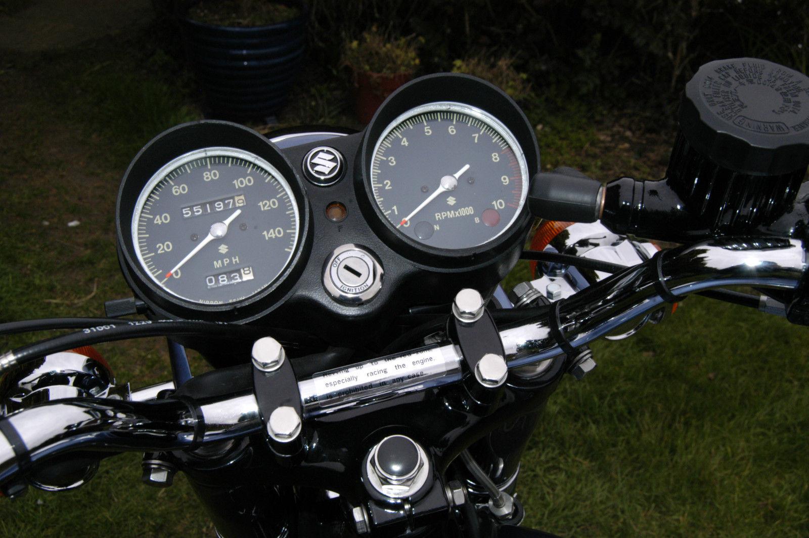 Suzuki GT550 - 1973 - Speedo and Tacho, Clocks, Handlebars, Ignition Switch  and