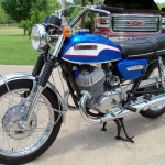 Suzuki T500 - 1973 - Left Side View, 2 Cylinder Two Stroke 500cc. Frame and Forks.