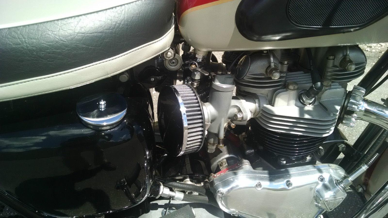 Triumph Bonneville - 1962 - Air Filters, Carburettors, Oil Tank and Seat.
