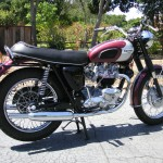 Triumph Bonneville - 1970 - Right Side View, Muffler, Rear Light, Seat,Shock Absorber, Swing Arm and Frame.
