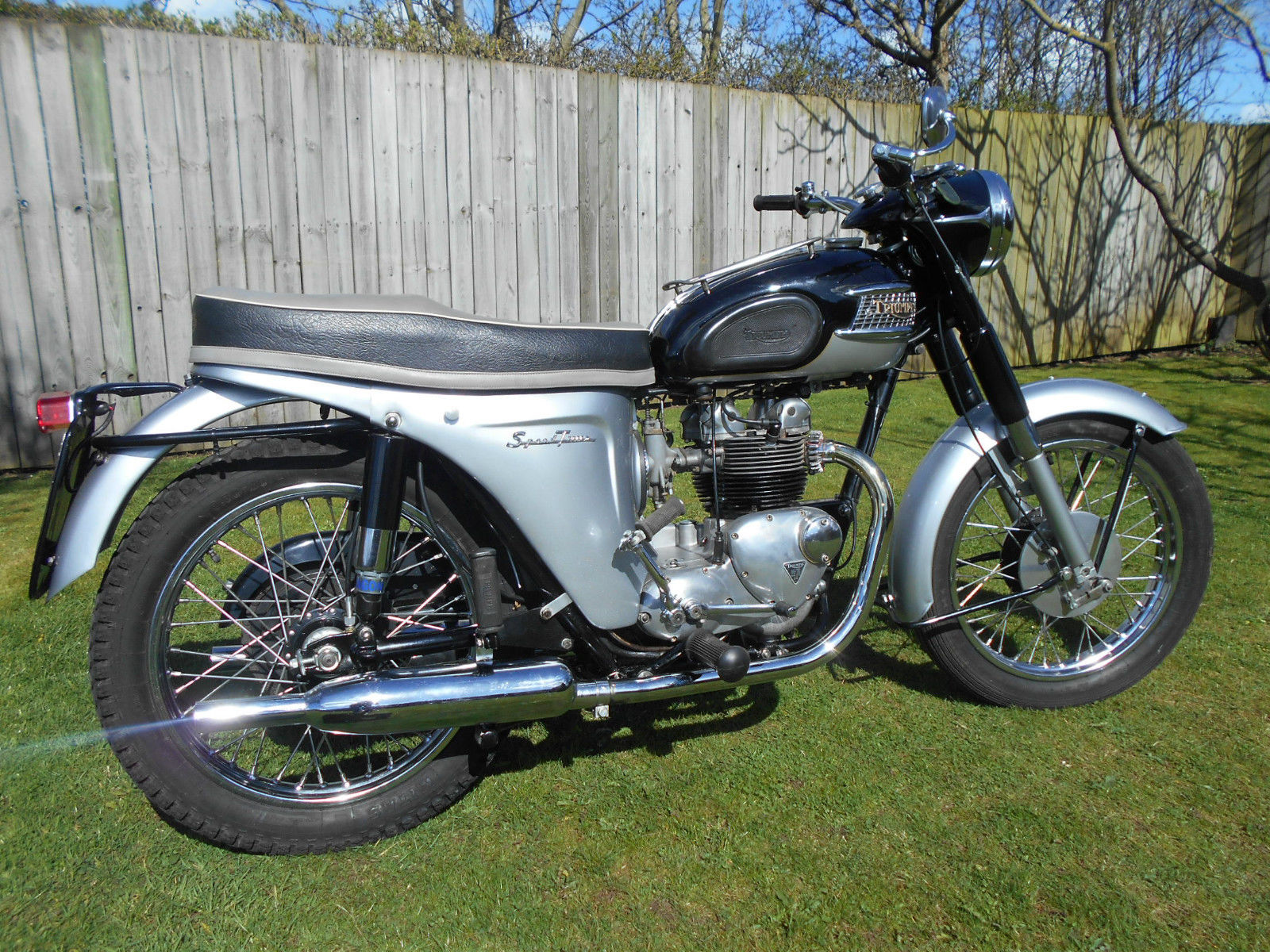 Triumph Speed Twin - 1964 - Engine and Gearbox, Kick Start, Wheels, Timing Cover and Points Cover.