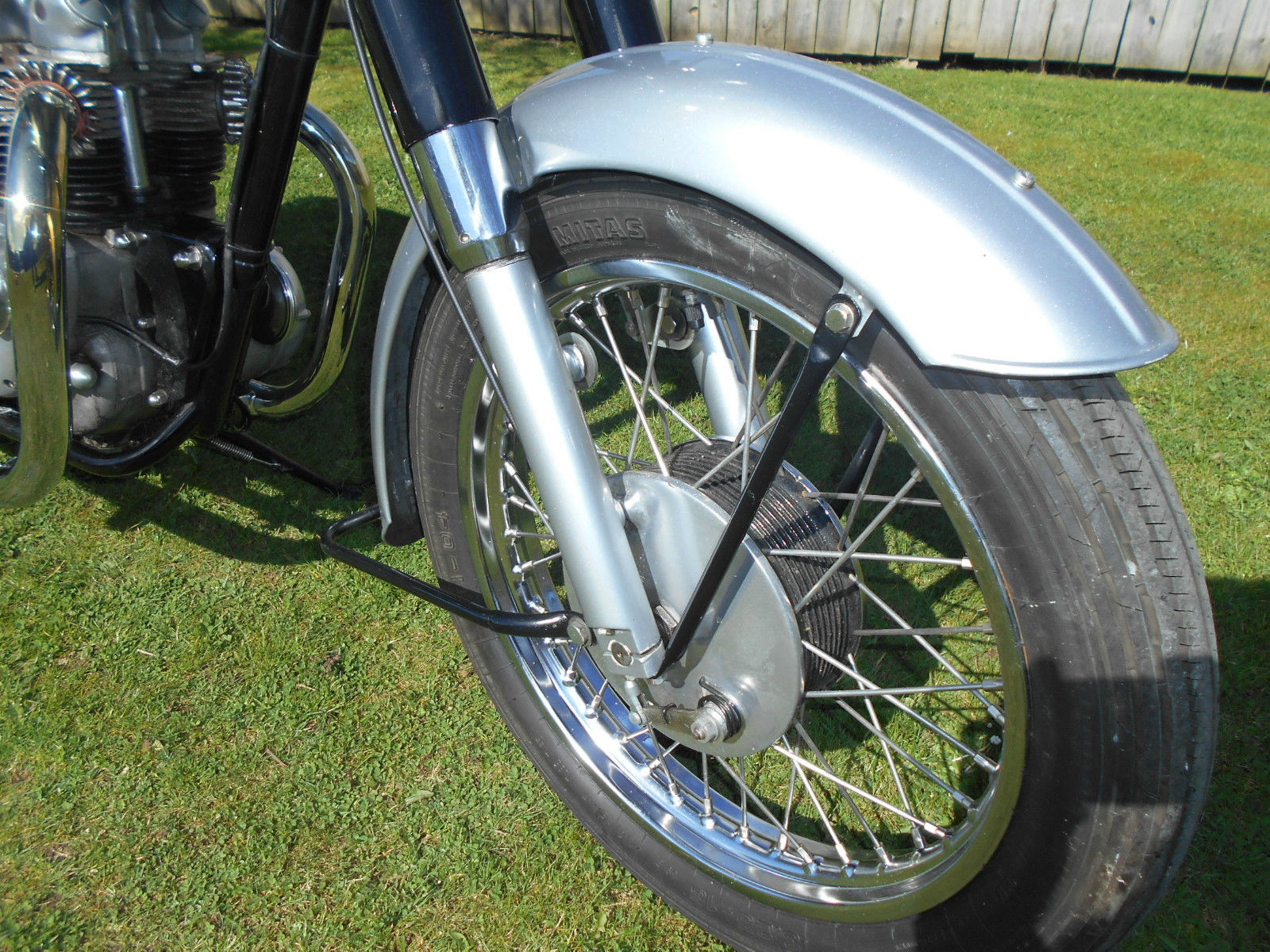 Triumph Speed Twin - 1964 - Front Fender, Front Suspension, Forks, Wheel and Hub.