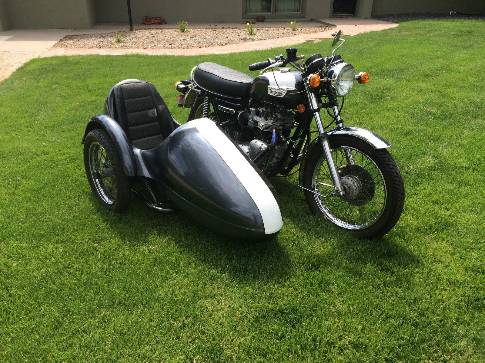 Triumph Bonneville with Sidecar - 1977
